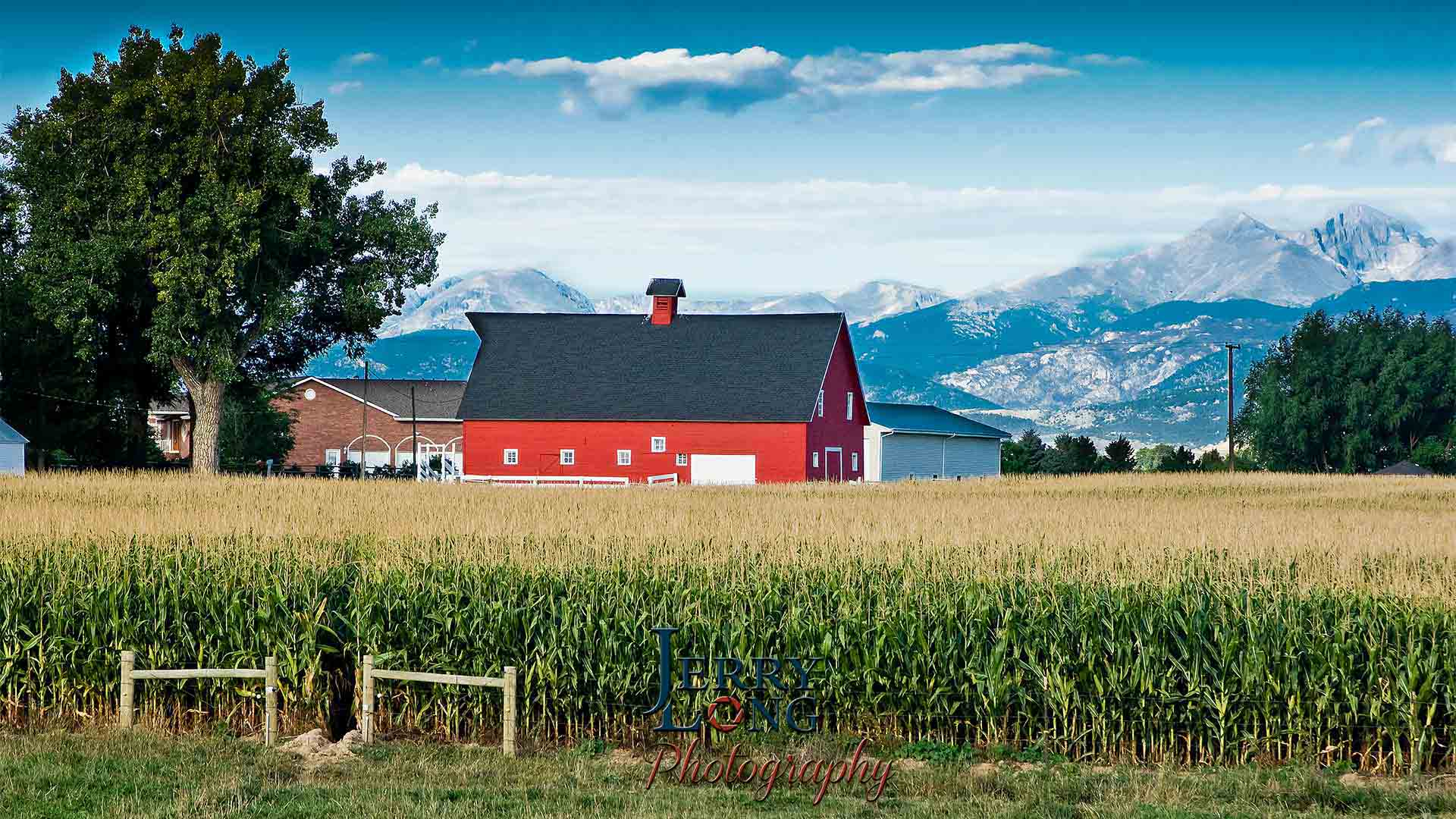 loveland-barn-mountains